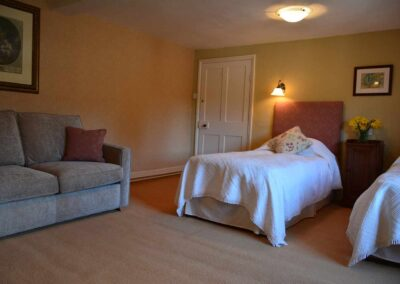 twin-room-sofa-court-farm-bed-breakfast-church-stretton